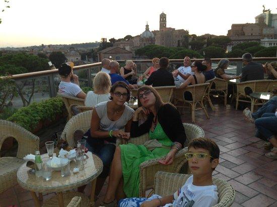 Hotel Forum Roma : terrazza per aperitivo