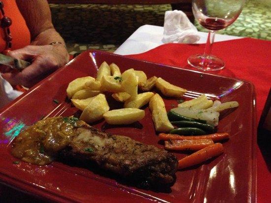 G.T.S. Bar & Restaurant : not exactly massive portions....