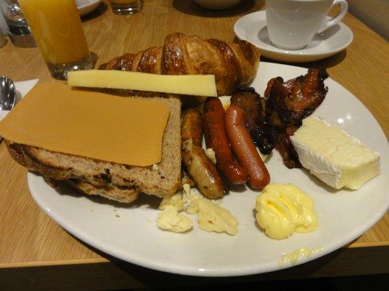 Radisson Blu Plaza Hotel, Oslo: petit déjeuner salé