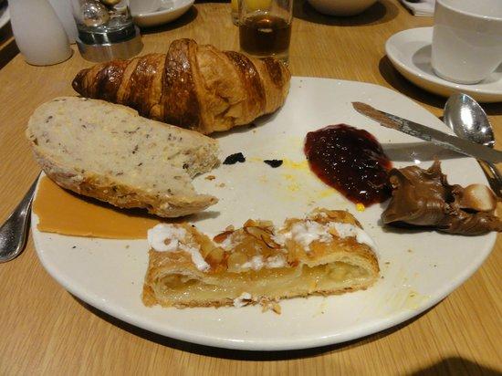 Radisson Blu Plaza Hotel, Oslo: petit déjeuner sucré