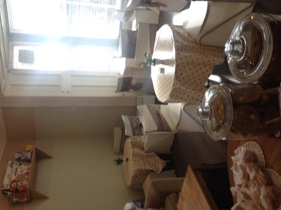 Pinnochios Tearoom: getlstd_property_photo