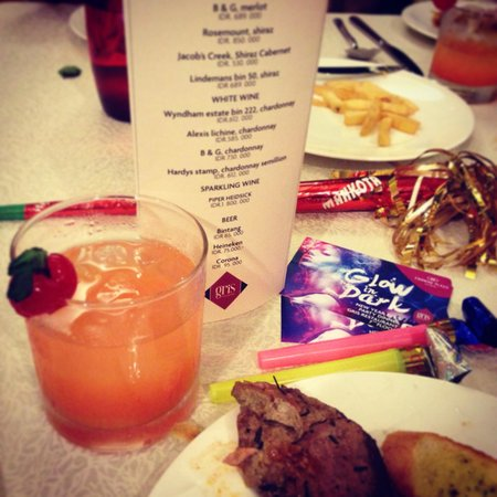 Crowne Plaza Semarang: 'Glow in the Dark' NYE Dinner party @ Gris Restaurant.. Awesome food