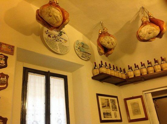Restaurante Il Latini: arredo