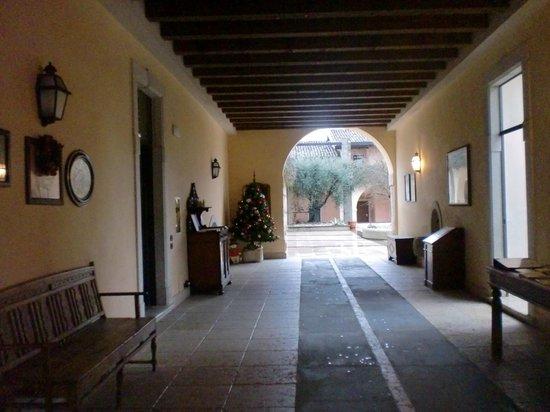 Castello Belvedere Apartments: ingresso