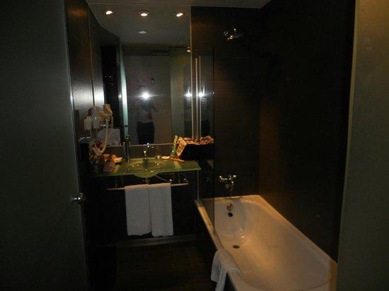 Vincci Maritimo Barcelona: salle de bain