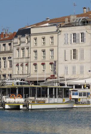Hotel Saint Jean d'Acre : Vue de l'hôtel depuis le vieux port