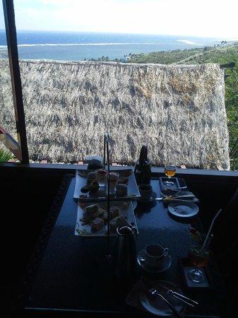 Outrigger Fiji Beach Resort: High tea
