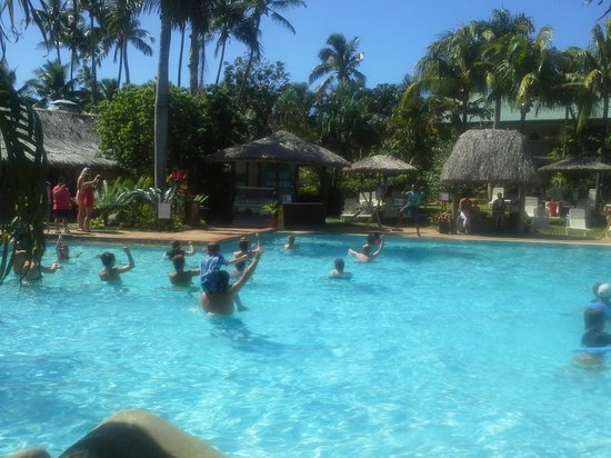 Outrigger Fiji Beach Resort: Main pool