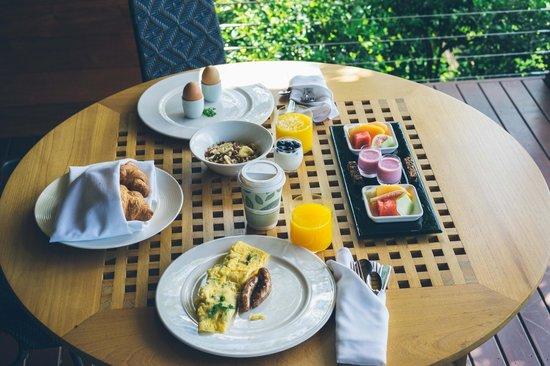 Qualia Resort: In-room breakfast