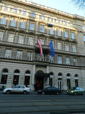 Bellevue Hotel: Ingresso albergo
