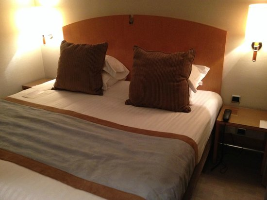 Quality Hotel Acanthe: Lit confortable