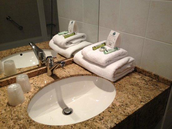 Quality Hotel Acanthe: Produits de la salle de bains