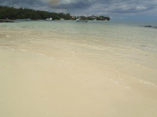 Coin de Mire Attitude: beach near the hotel