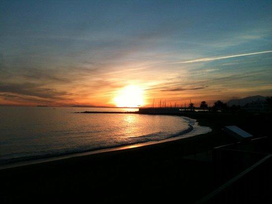 Aparthotel Puerto Azul Marbella: POR DO SOL