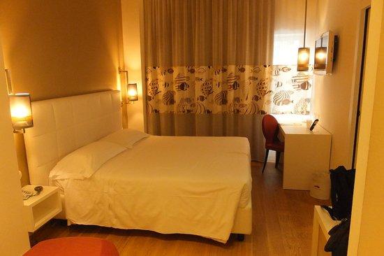 Caravel Hotel: camera