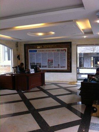 Sapa Summit Hotel : Tour counter
