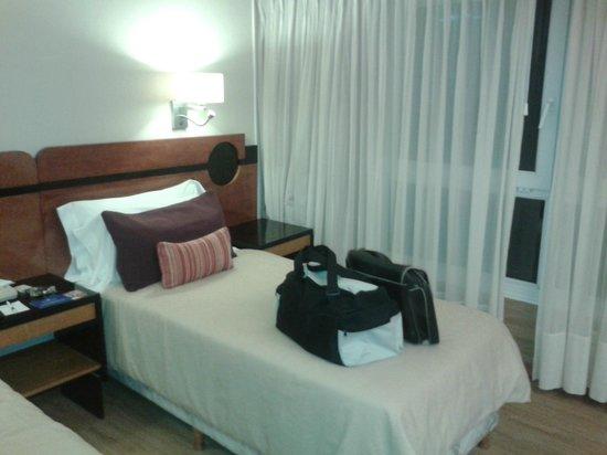 Regente Palace Hotel: desde la entrada a la habitacion