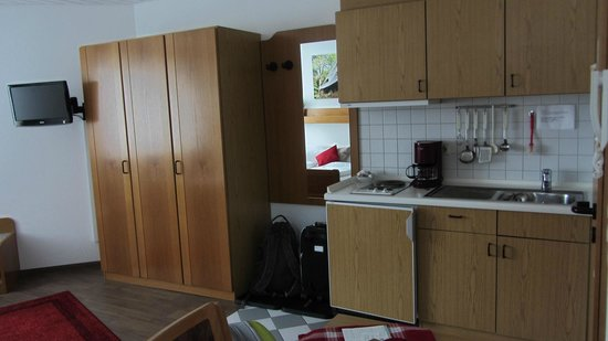 Bergseestüble: L'angolo cucina