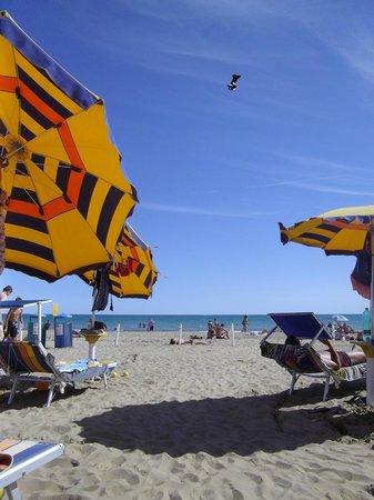 Lido di Venezia: hotel beach