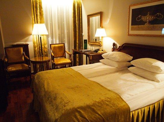 Hotel Bristol: Room