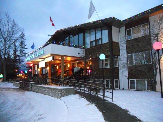 Outside picture of lobstick lodge jasper tripadvisor for Decore hotel jasper
