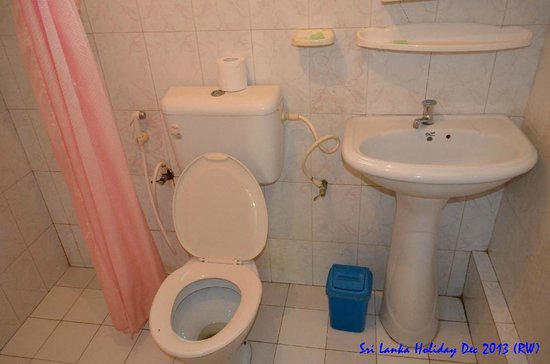 Kent Hotel: Bathroom