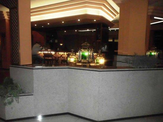 Saray Hotel: bar de recepcion