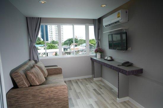 Nantra Ploenchit Hotel : Suite room