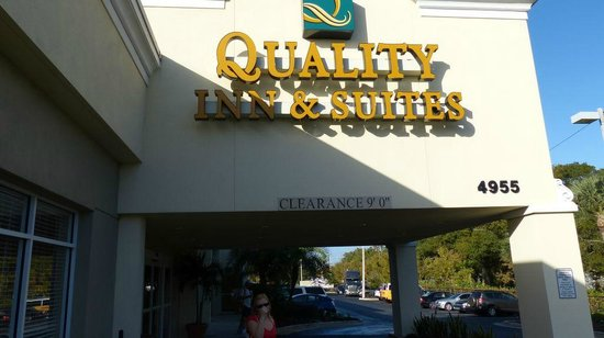 Quality Inn & Suites Near Fairgrounds Ybor City : Entrance
