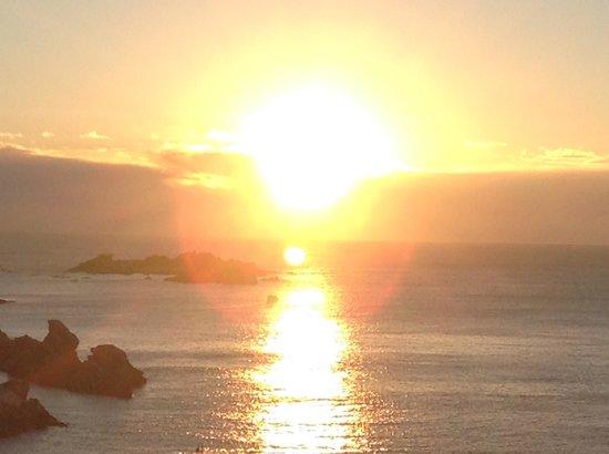 Shiosai Resort Kamogawa: 客室からの日の出