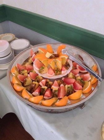 Shiosai Resort Kamogawa: 朝食のフルーツ