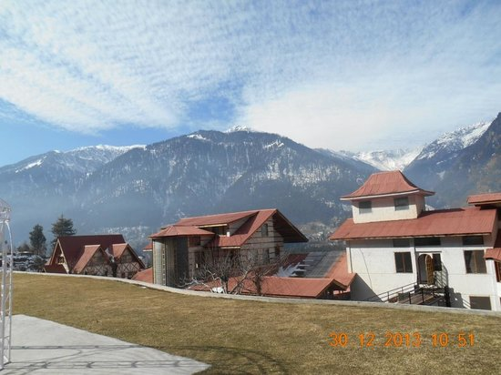 Manuallaya -The Resort Spa in the Himalayas: A view of the hotel