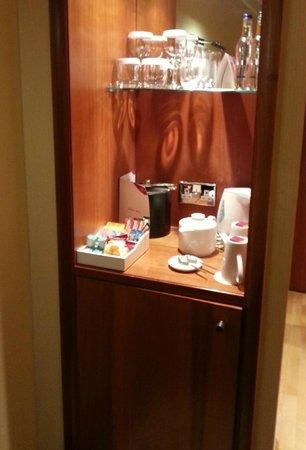 Crowne Plaza Hotel London-Heathrow : minibar