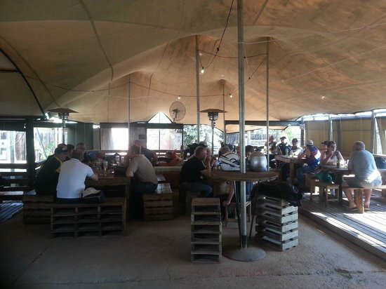 Affipad Boskombuis: Under the main tented section