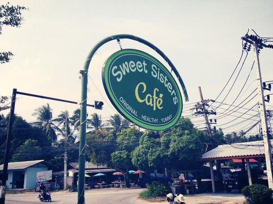 Sweet Sisters Cafe: Sign
