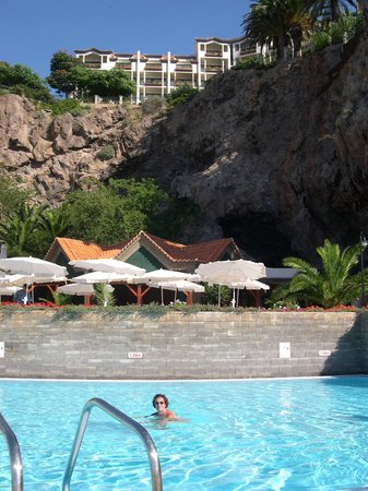 Hotel The Cliff Bay : hôtel vue de la piscine