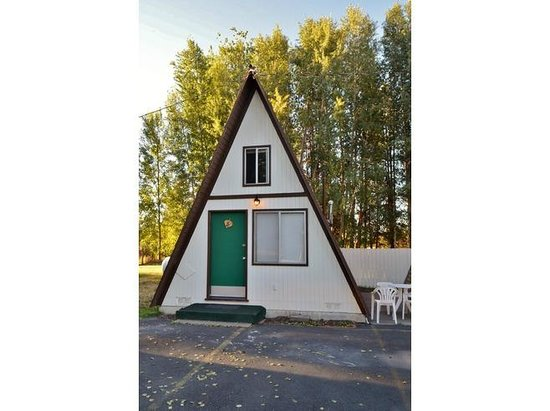 The Aspen Inn: A-Frame Cabin