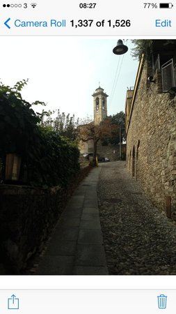 Funicolare San Vigilio : The steep but pleasant walk up the hill