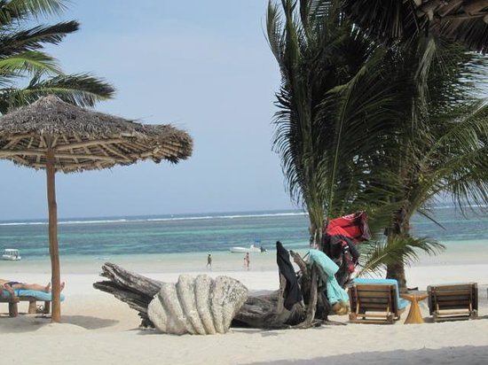Waterlovers Beach Resort: plage