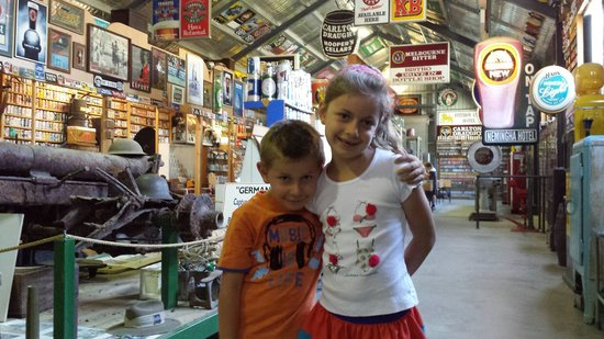 The Great Aussie Beer Shed: Kids had fun too.