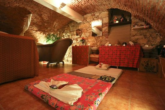 Hotel & Spa Carolline: Spa facility in our gothic cellar