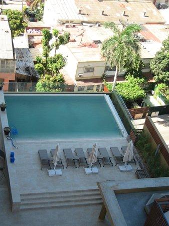 Hotel Alvalade: Pool area
