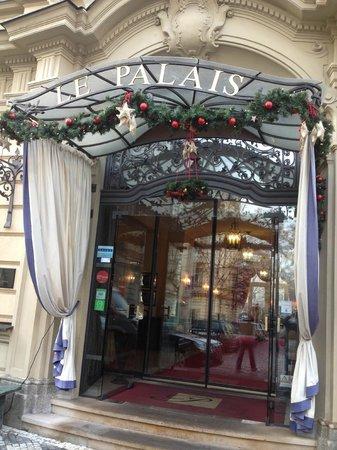 Le Palais Art Hotel Prague: Entrada