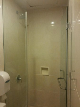 Tune Hotel - Double Six, Legian : The Glorious Shower