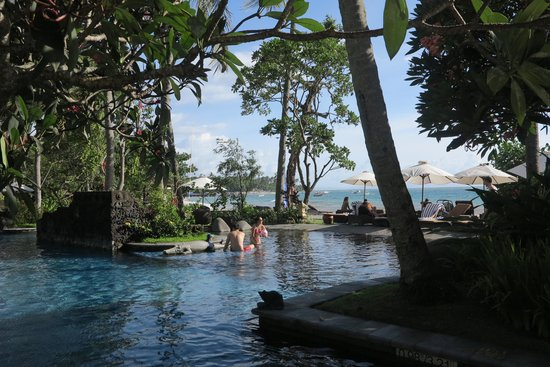 Sheraton Senggigi Beach Resort : Pool side