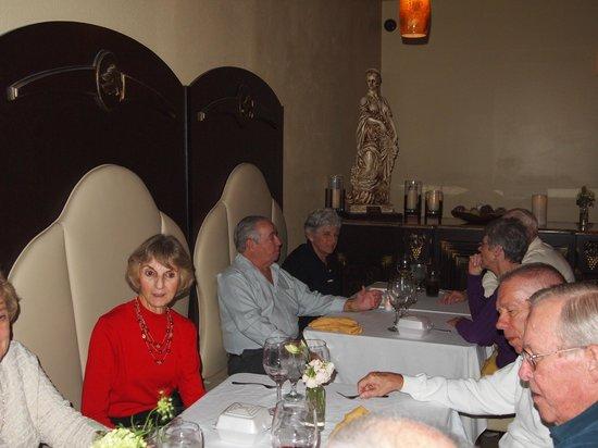 La Piazza Cafe: Wine Drinkers