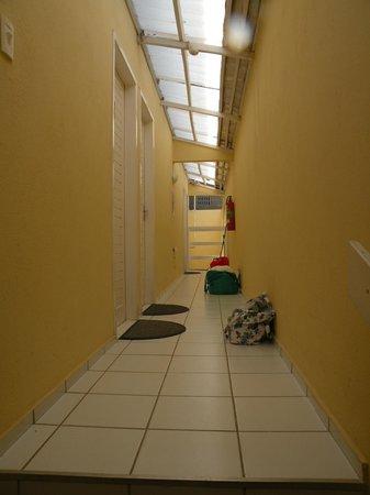 Pousada Portomares: Corredor quartos
