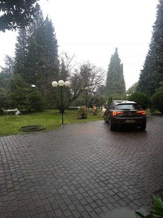 Hotel Fontana: Parcheggio