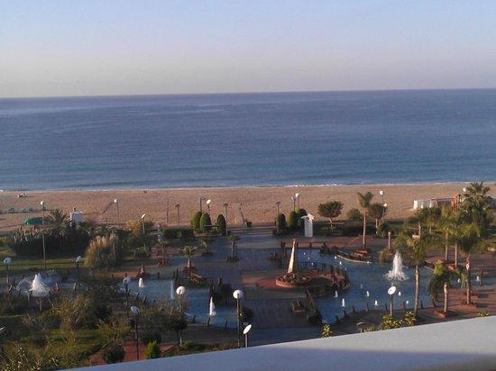 Kahya Hotel: Denize çok yakın