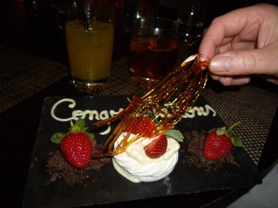 Leeds Marriott Hotel: The waiter brought us this when we had finished our meal